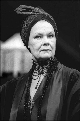 JUDIE DENCH IN THE ROYAL FAMILY 1997