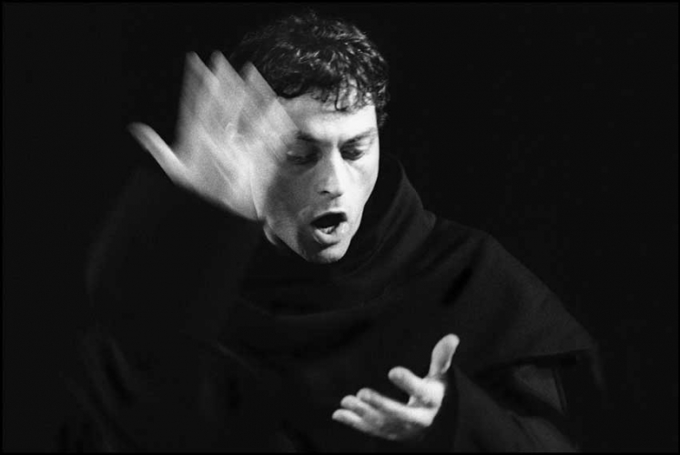 RUFUS SEWELL AS MARTIN LUTHER 2001