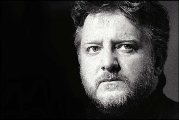 SIMON RUSSELL BEALE AS HAMLET 2000
